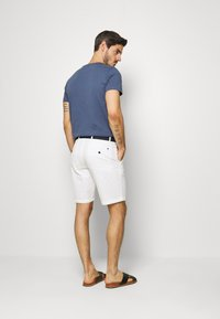 Tommy Hilfiger - BROOKLYN LIGHT BELT - Shorts - white - 2