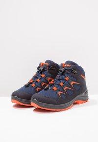 Lowa - INNOX EVO GTX QC JUNIOR UNISEX - Hiking shoes - navy/orange - 2