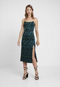 Bec & Bridge - DISCOTHEQUE DRESS - Festklänning - emerald - 0