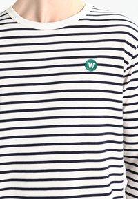 Wood Wood - MEL - T-shirt à manches longues - off-white/navy stripes - 3