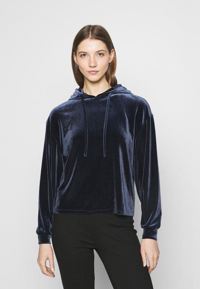 PCGIGI HOODIE - Bluza z kapturem - navy blazer