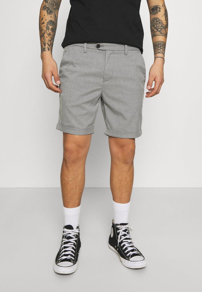Jack & Jones PREMIUM - JJICONNOR - Shorts - grey melange