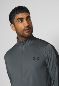 Under Armour - EMEA TRACK SUIT - Träningsset - pitch gray/black - 5
