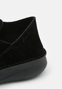 Clarks - ORIGIN - Sneakers laag - black - 5