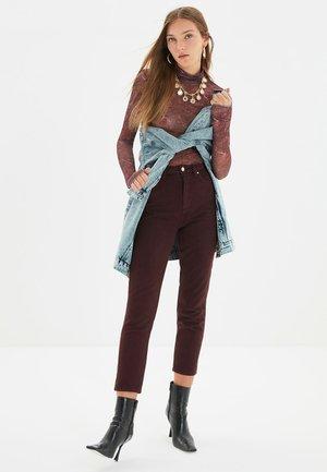 Jeansy Slim Fit - burgundy