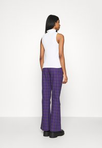 The Ragged Priest - BECK FLARED ZIP POCKETS - Trousers - purple - 2
