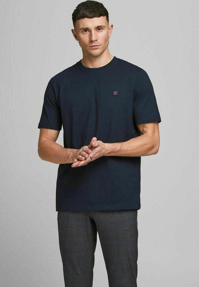 T-shirt basic - new navy/reg fit