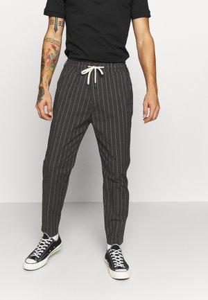 UTILITY - Cargo trousers - grey