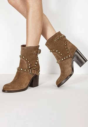High heeled ankle boots - sd biamicano cmc