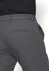 Emporio Armani - PANTALONI TESSUTO - Pantalon classique - lavagna - 5