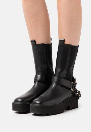 FARA ISA - Platform boots - black