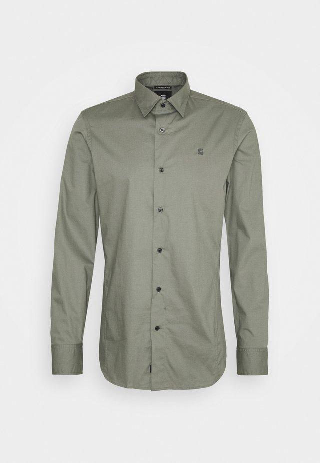 DRESSED SUPER SLIM SHIRT L\S - Overhemd - orphus