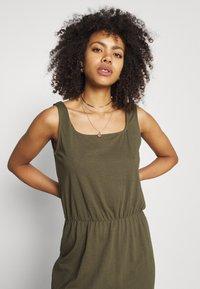 Vero Moda - VMADAREBECCA ANKLE DRESS - Maxi dress - ivy green - 3