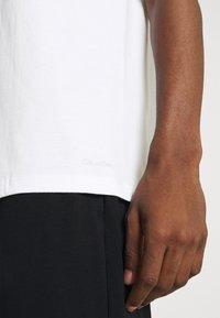 Calvin Klein Underwear - CLASSICS CREW NECK 3 PACK - Undershirt - white - 3