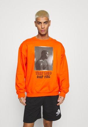 A$AP LORD - Collegepaita - orange