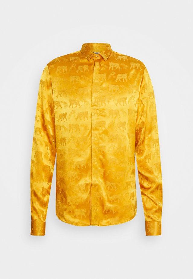 LEO SHIRT - Košile - mustard