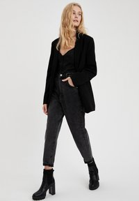 DeFacto - Relaxed fit jeans - black - 3