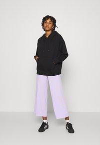 Monki - Kalhoty - lilac - 1