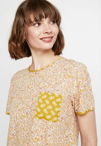 Madewell - CREW NECK BUTTON BACK - Blouse - golden meadow - 3