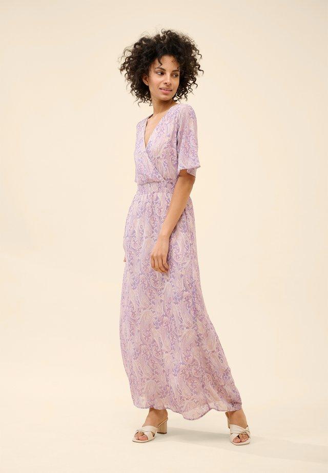 MIT MUSTER - Maxi dress - helles flieder