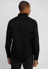 Armani Exchange - Formální košile - black - 2