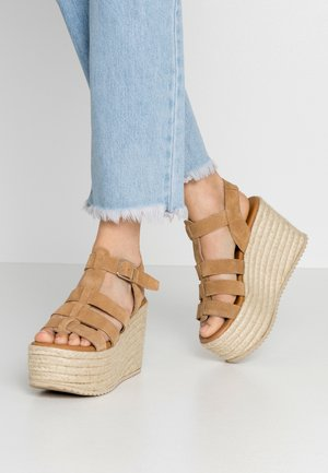 WEDGE  LEATHER - High Heel Sandalette - sand
