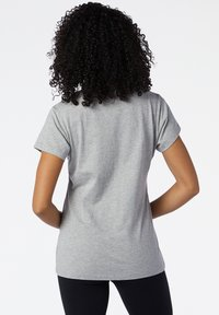 New Balance - STACKED LOGO  - Print T-shirt - athletic grey - 1