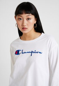 Champion Reverse Weave - BIG SCRIPT CROPPED - Top s dlouhým rukávem - white - 3