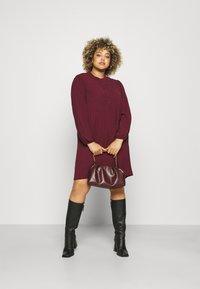 Vero Moda Curve - VMSAGA PLEAT SHORT DRESS  - Shirt dress - port royale - 1
