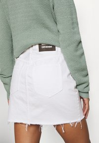 Dr.Denim Petite - MALLORY - Denim skirt - white - 5