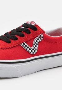 Vans - SPORT UNISEX - Trainers - high risk red/true white - 5