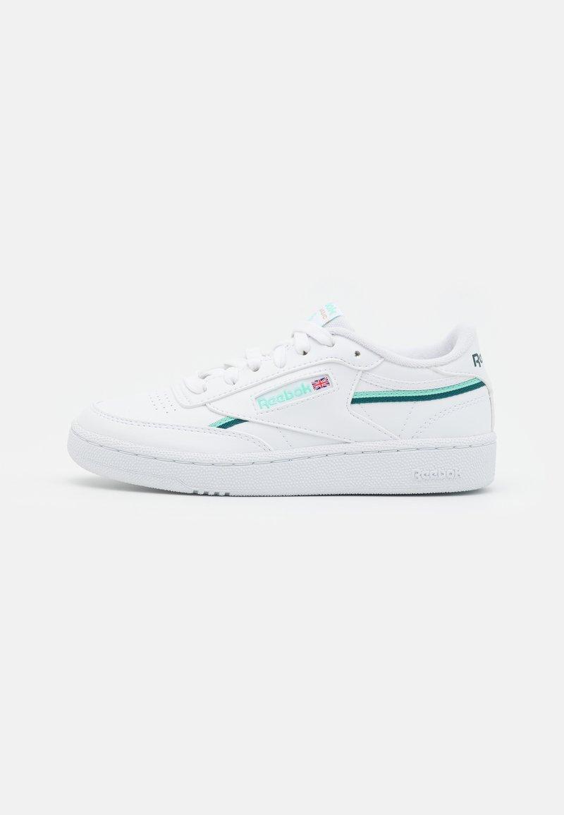 Reebok Classic - CLUB C 85 VEGAN - Sneaker low - footwear white/hint mint/midnight pine