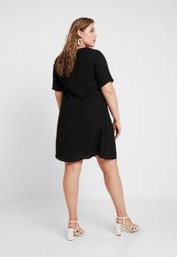 Glamorous Curve - SHIFT DRESS - Day dress - black - 3