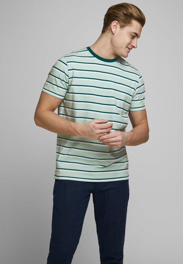 JPRNOAH TEE CREW NECK - Camiseta estampada - surf spray