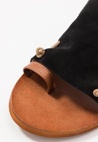 Felmini - CAROLINA  - T-bar sandals - black - 2