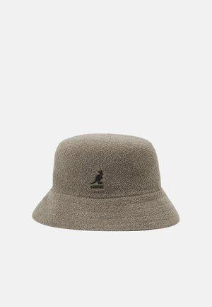 BERMUDA BUCKET - Hatt - concrete