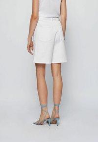 BOSS - Denim shorts - natural - 2