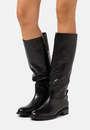 BOOTS - Vysoká obuv - black matt