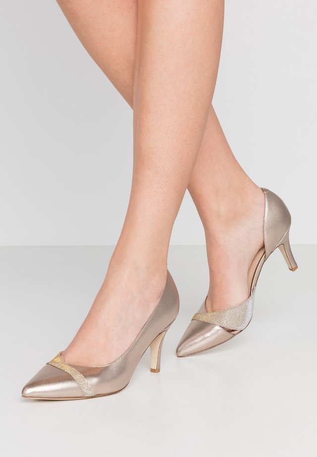 LEATHER CLASSIC HEELS - Czółenka - gold