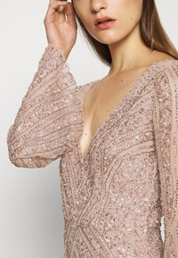 Maya Deluxe - EMBELLISHED V NECK MAXI DRESS - Ballkjole - taupe blush - 6