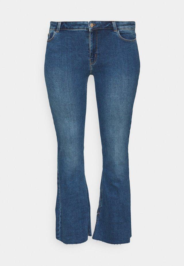 PCKAMELIA  - Jeans a zampa - medium blue denim
