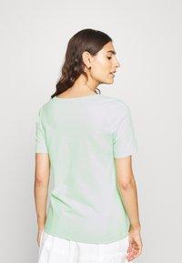 Tommy Hilfiger - CLASSIC  - Basic T-shirt - neo mint - 2