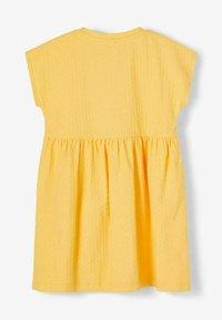 Name it - NMFDORTE - Jersey dress - sunset gold - 1