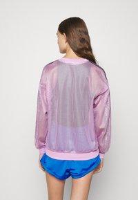 adidas Originals - CREW SPORTS INSPIRED - Langærmede T-shirts - magic berry - 2
