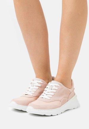 SPRINTLITELACE - Sneakers basse - light pink