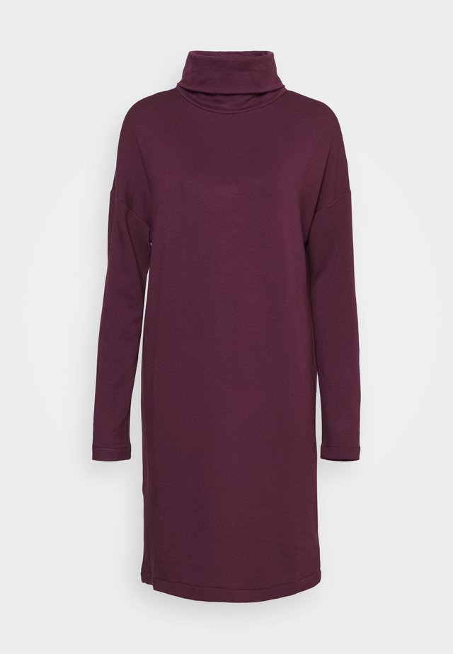 COWL NECK DRESS - Denní šaty - secret plum