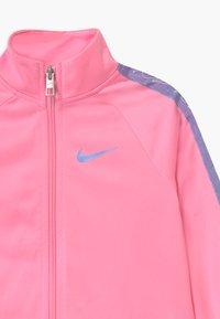 Nike Sportswear - COLORSHIFT TAPING TRICOT SET - Tepláková souprava - pink - 4