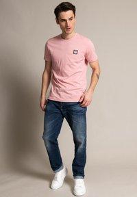 Diesel - Straight leg jeans - heavy used - 1