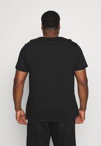 Topman - CLASSIC 3 PACK - Basic T-shirt - black - 2
