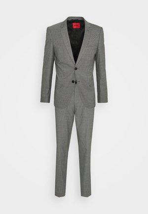 ARTI HESTEN SET - Kostym - grey